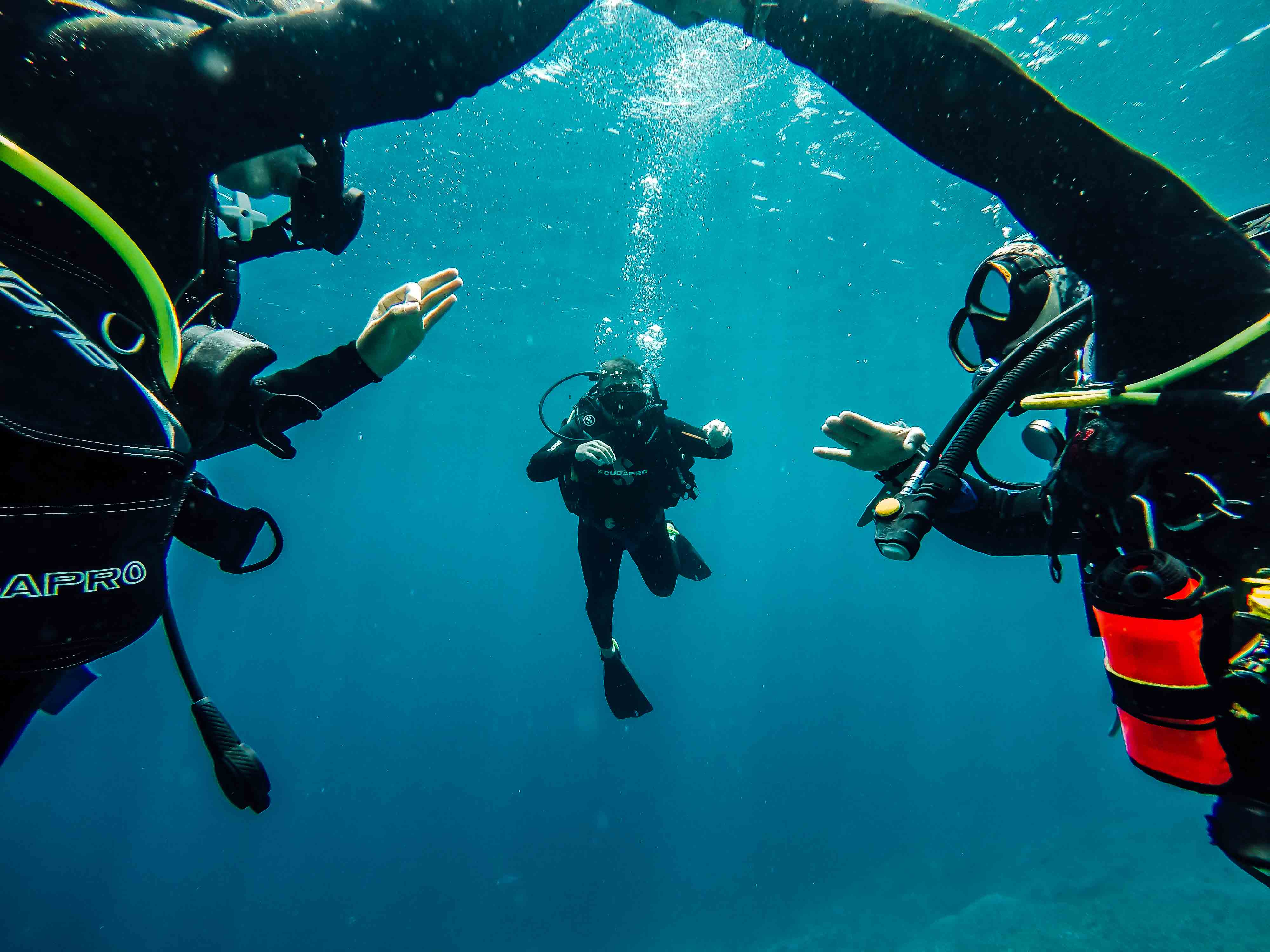 holiday diving dive yoga bali nusa penida indonesia ssi padi